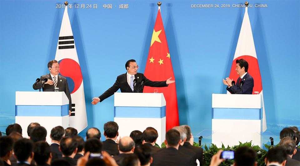 Premier Li, Moon, Abe meet press:2
