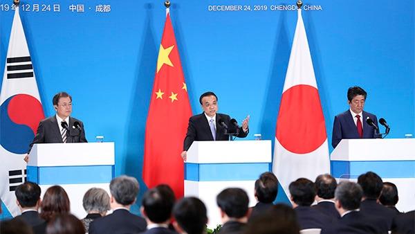 Premier Li, Moon, Abe meet press:0