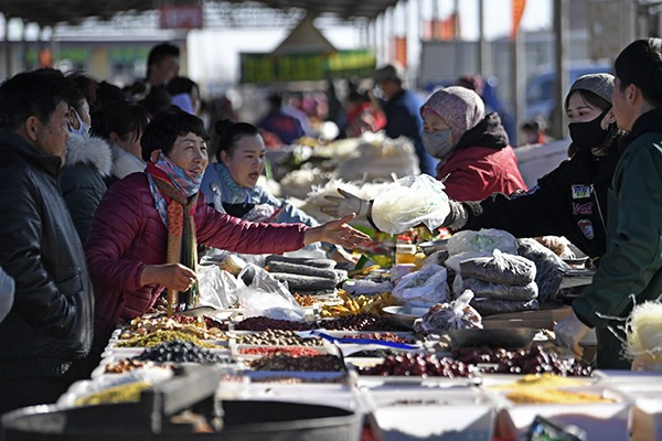 A glimpse of Spring Festival market in Ningxia:null