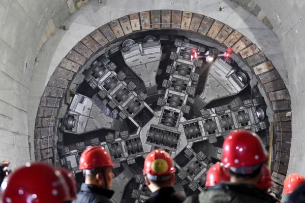 China's longest undersea subway tunnel marks completion:null